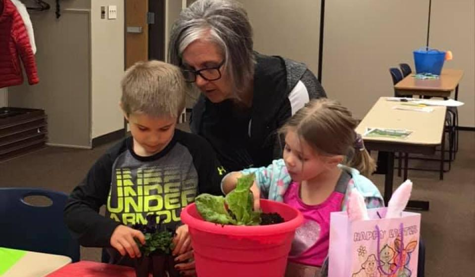 Cloverbuds learn how you can plant flowers and vegetables in the same pot