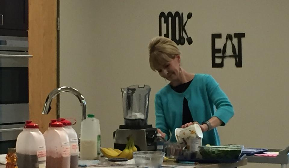 Smoothies class with Ronda Rex